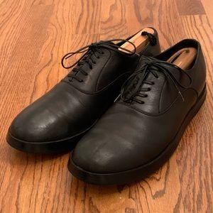 Dolce & Gabbana plain Toe Oxfords. Size 8.5